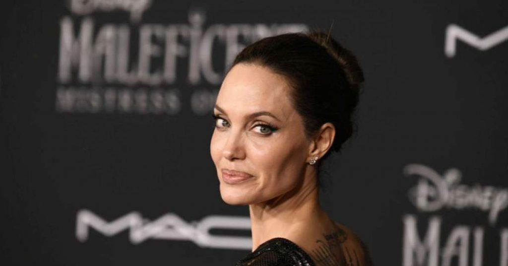 Анджелина Джоли отново излиза с бившия си съпруг Джони Лий Милър