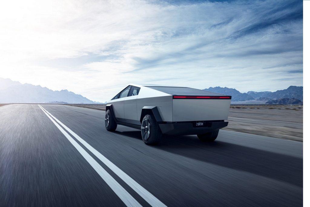 Илън Мъск потвърждава отлагането на Tesla Cybertruck за края на 2022 г.