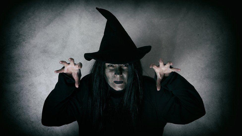 Хелоуин подтиквал жените към изневяра