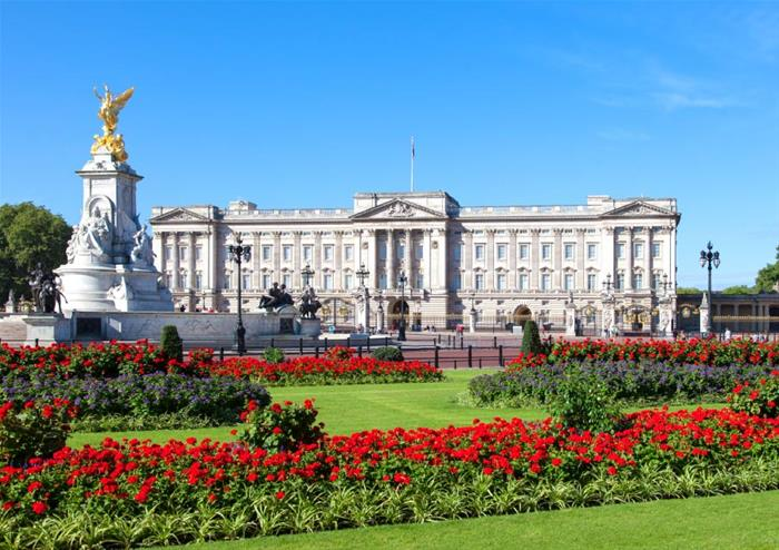 Градините на Бъкингамския дворец отварят за пикник и разходки